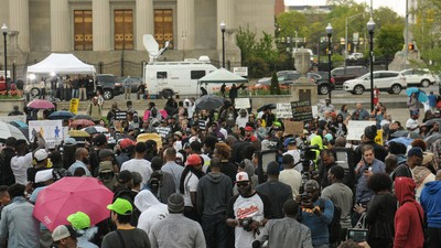 How Can America's Police Improve the Way They Handle Mass Protests?