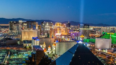 Las Vegas, Floyd Mayweather, and Surrendering to the Con