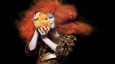 Seznamte se s módní návrhářkou Björk, Iris Van Herpen