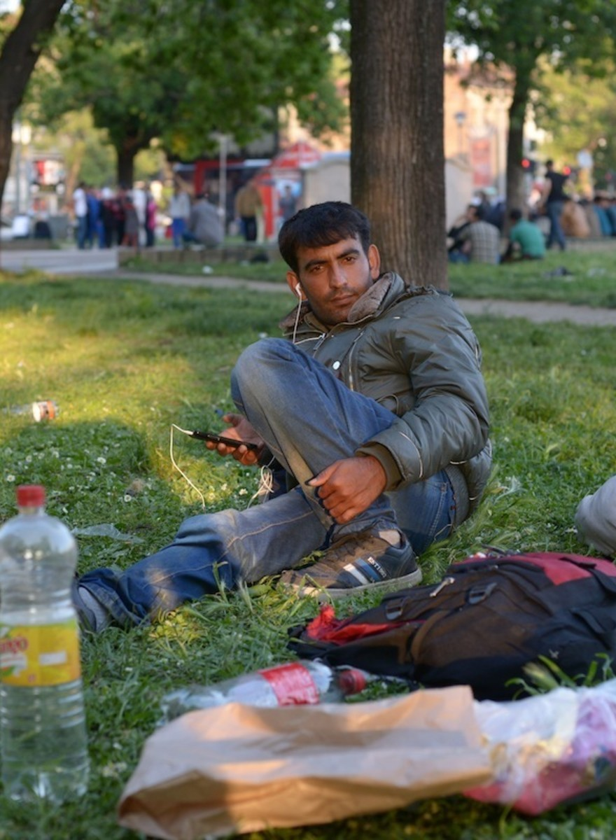 Photos of Belgrade's Immigrants and the Phones They Can't Live Without