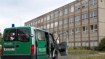 Flüchtlinge unter Generalverdacht? 25 Flüchtlingsheime in Baden-Württemberg durchsucht