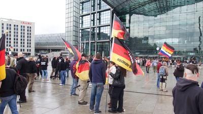 Hooligans, Neonazis und die Reichsregierung: Der Sturm auf den Reichstag fiel aus