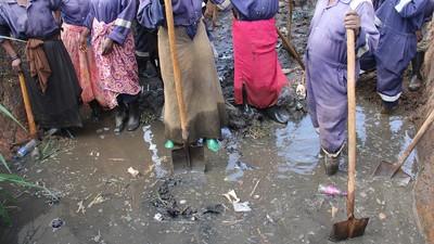 As Mulheres de Uganda que não Conseguem Usar Banheiros sem Temer Doenças e Estupro