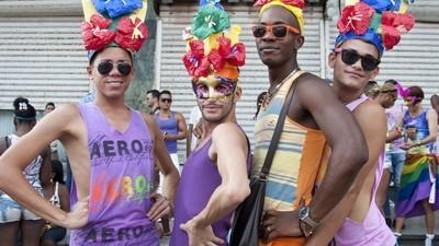Symbolische massahuwelijken brengen hoopvolle LGBT-Cubanen samen