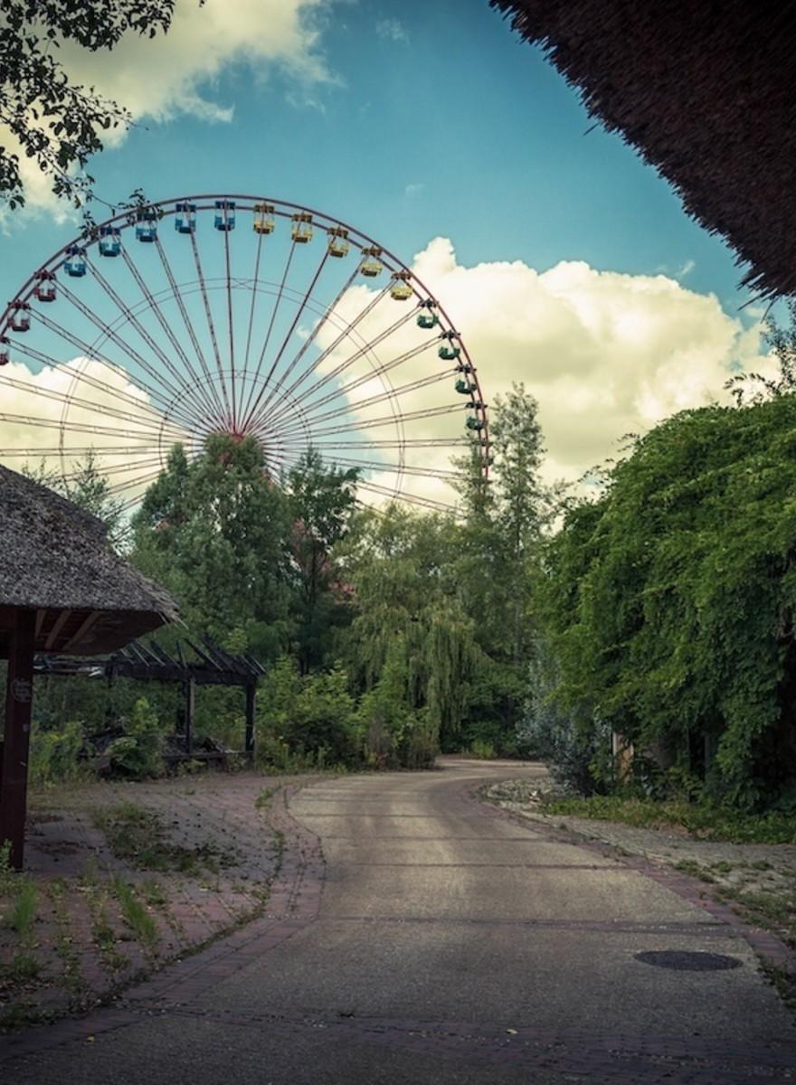 Explorando la decadencia del mundo con el fotógrafo Andy Kay