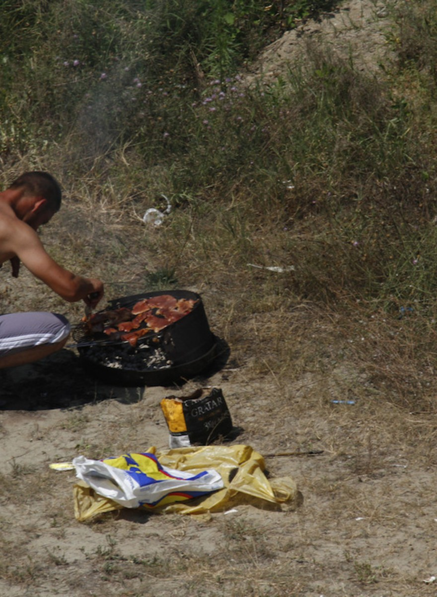 Romania's Roadside Barbecues Signify Social Status