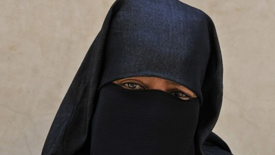 Harper's Vow to Ban the Niqab During Citizenship Ceremony a Likely Election Issue