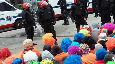 Muro popular para proteger a jóvenes vascos acusados de ser de ETA sin practicar la violencia