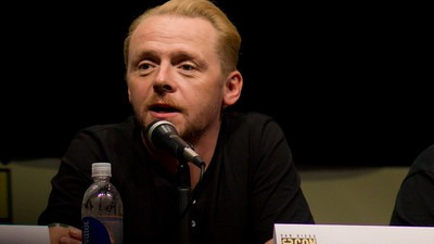 Simon Pegg Says Science Fiction Movies Are Childish, Quickly Clarifies