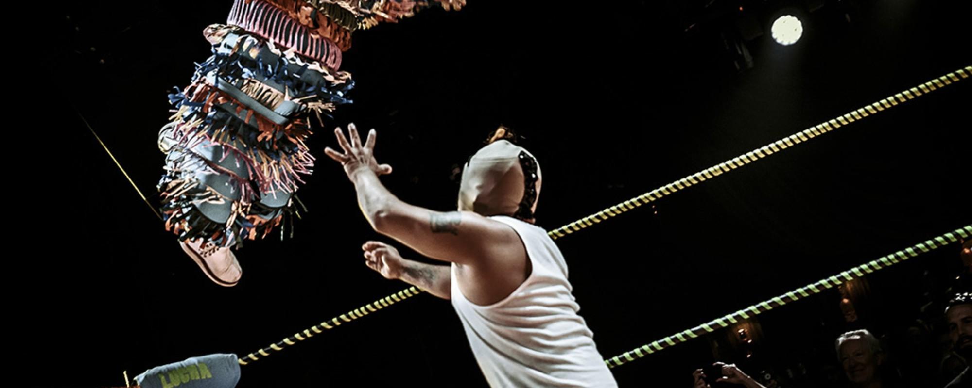Den v životě nejmenšího zápasníka Lucha Libre v LA