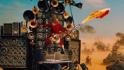 Wir haben mit dem Typen gesprochen, der die Flammenwerfergitarre in 'Mad Max' spielt