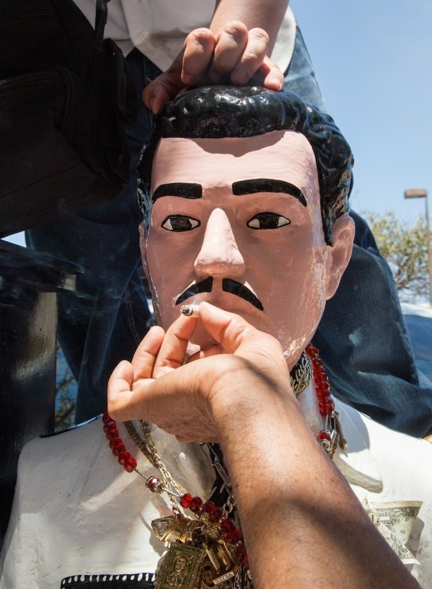 Feesten bij het altaar van de Mexicaanse drugsheilige Jesús Malverde