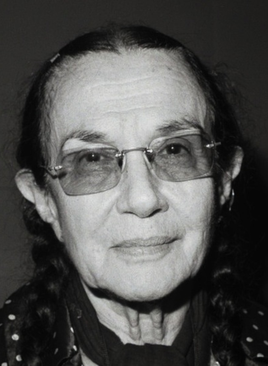 RIP Legendary Photographer Mary Ellen Mark