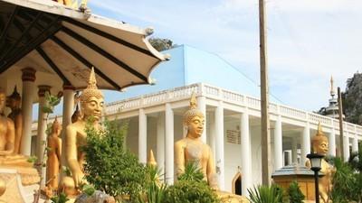 Den härtesten Entzug der Welt machst du in einem Kloster in Thailand