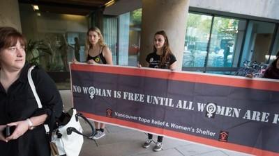 Honderden Canadese vrouwen klagen de politie aan wegens seksuele intimidatie