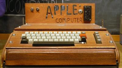 Eine Seniorin hat aus Versehen ihren 200.000 Dollar teuren Apple I entsorgt