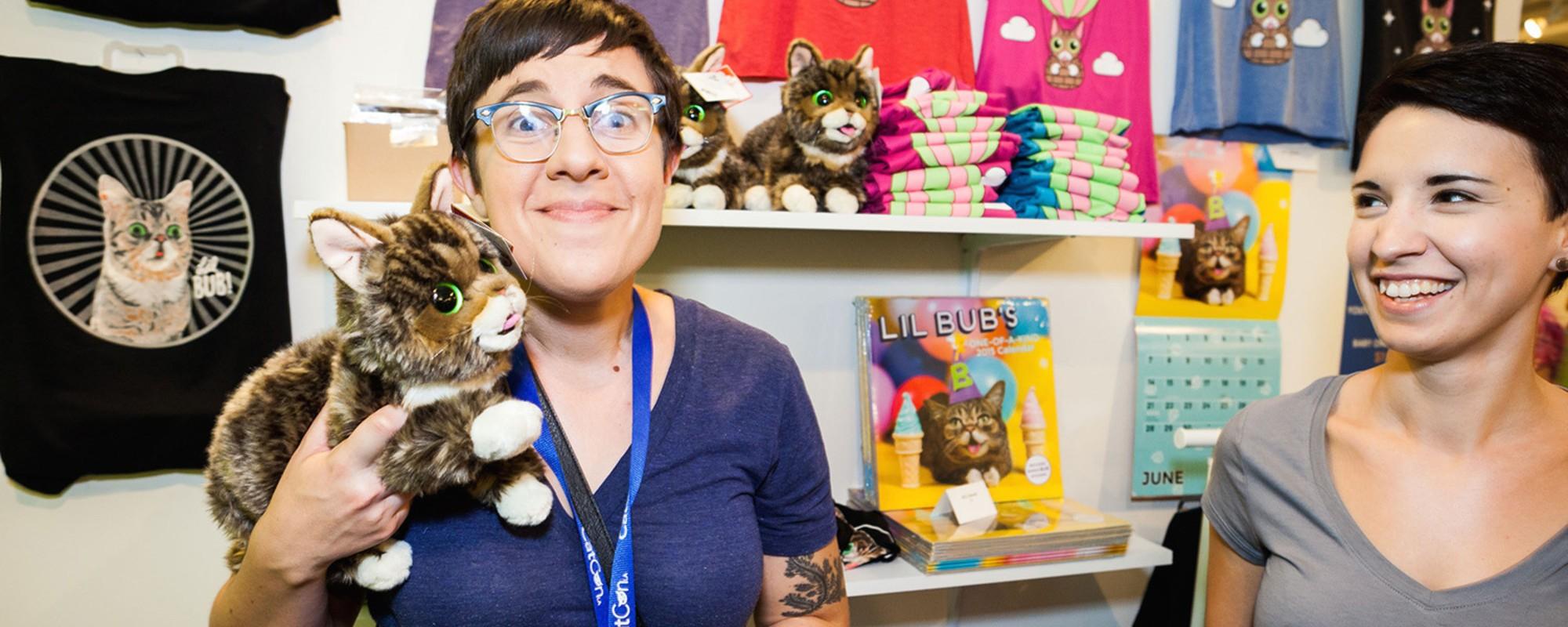 Děsivě roztomilá realita prvního sjezdu milovníků koček v LA