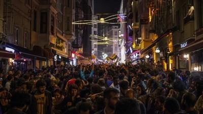 Wir haben junge Istanbuler gefragt, ob in der Türkei jetzt alles besser wird