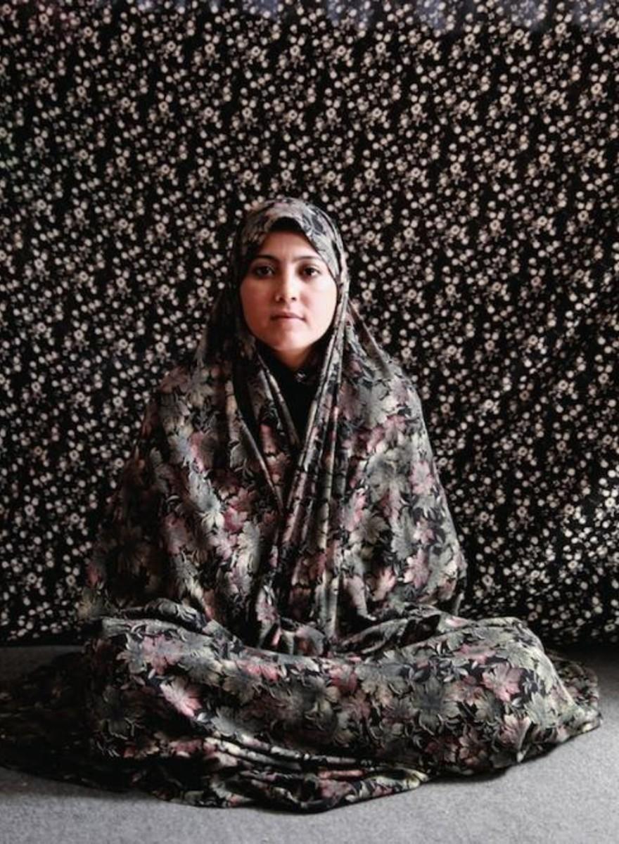"""Ritratti di donne afghane condannate per """"crimini contro la morale"""""""