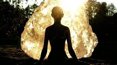 Zece zile de meditaţie în tăcere îţi dau halucinaţii ca pe trip şi fantezii cu căţei