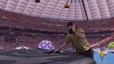 David Guetta gaat de themesong maken voor het EK van 2016. Wij maakten een lijstje met de mix tussen voetbalanthems en dance