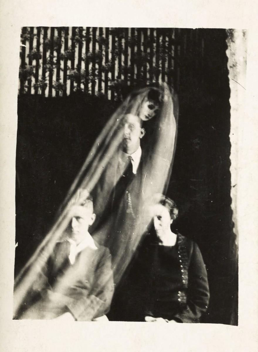 As Bizarras 'Fotos de Espíritos' do Começo dos Anos 1900