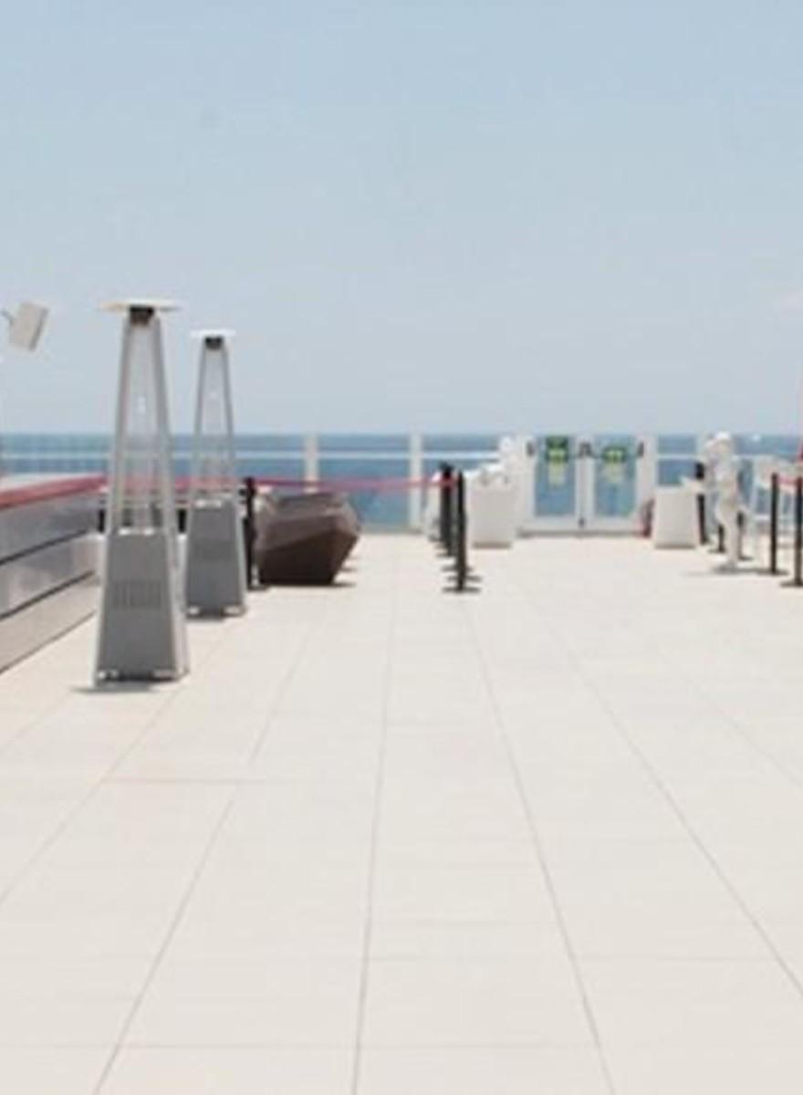 Fotos dos Megaclubes de Ibiza se Preparando para a Temporada de Festas mais Intensa do Mundo