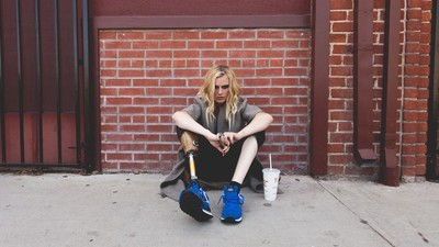 Het verhaal van een model dat haar been verloor door een tampon