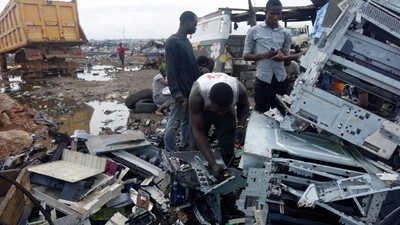 Visitámos o maior depósito de lixo electrónico do mundo