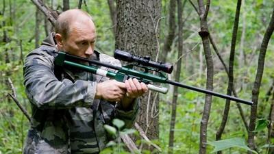 Putin a construit un parc de distracții unde copiii se pot juca cu tancuri și grenade