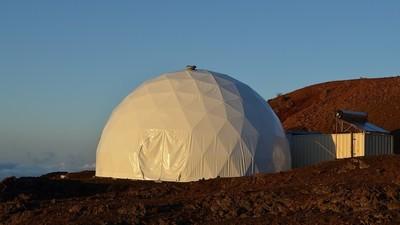 Şase oameni locuiesc într-un vulcan ca să vadă cum ar fi pe Marte