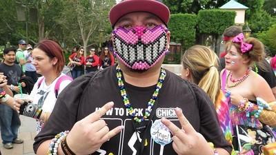 Um dia com os ravers na Disneylândia