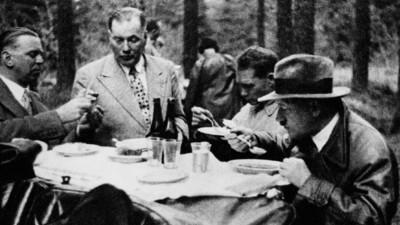 War Hitler wirklich Vegetarier und ist denn das nicht völlig egal?