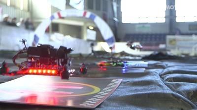 Zu Besuch auf einer der ersten Drohnen-Rennstrecken der Welt