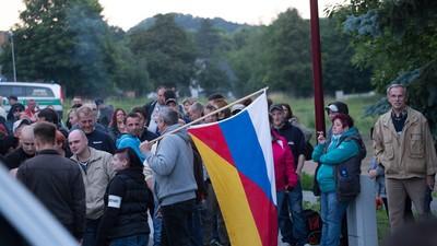 """In Freital gehen die """"besorgten Bürger"""" mit Baseballschlägern auf Jagd"""
