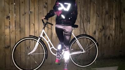 Tricouri românești care îți salvează viața pe bicicletă