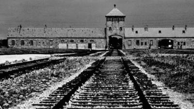 Reddit-Historiker: Warum bombardierten die Alliierten nicht einfach die Auschwitz-Schienen?