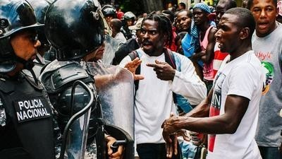 Fecha límite para obtener la ciudadanía: el bloqueo dominicano (Dispatch 1)