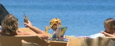 Die EU zerfällt, und die Deutschen sorgen sich um ihren Pauschalurlaub