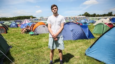 We Sent an American to His First Ever Glastonbury to See If It Shits on Coachella