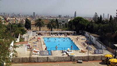 La guía VICE para sobrevivir a las piscinas municipales