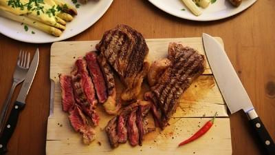 Aqua-aged-beef – Leg dein Fleisch doch mal in Mineralwasser ein!