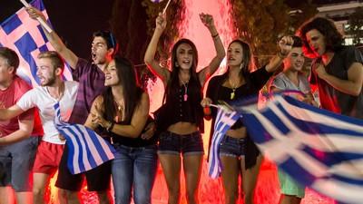 Grecia respalda Tsipras ante la Troika y dice 'no' a la austeridad