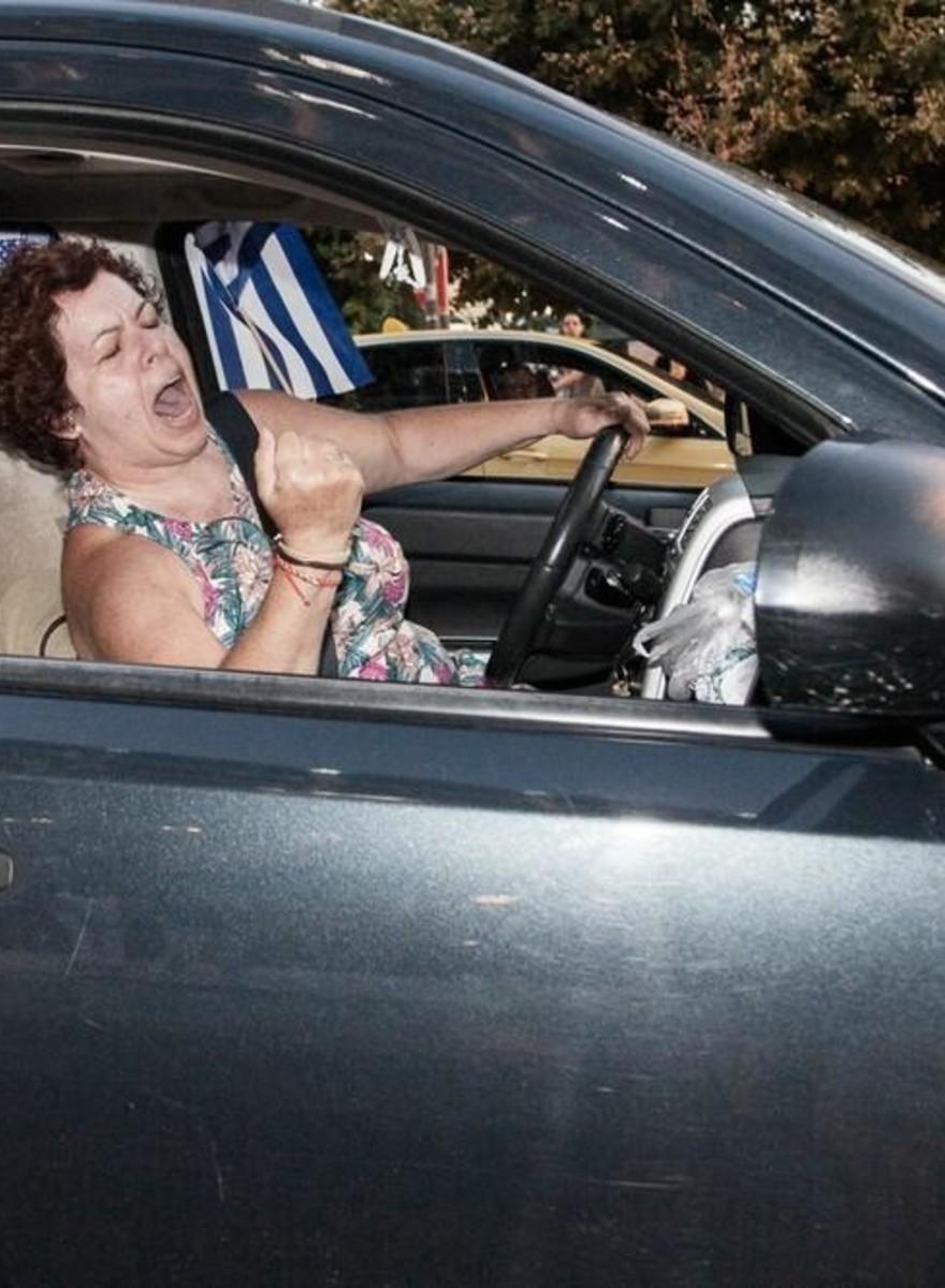 Los atenienses celebran el abrumador «no» a la austeridad