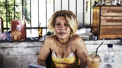 Os sem-abrigo de Atenas opinam sobre o referendo grego e a possível bancarrota do país