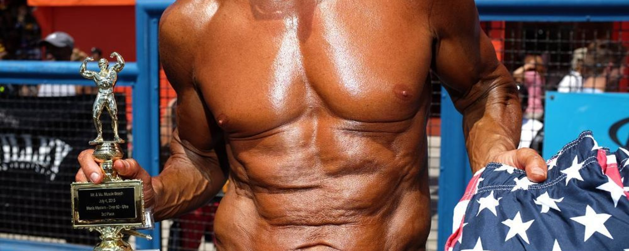 Culturiștii și-au încordat mușchii și bronzul, de ziua Americii