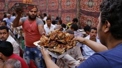 Wenn Kairos Straßen zu Charity-Restaurants werden, ist Ramadan