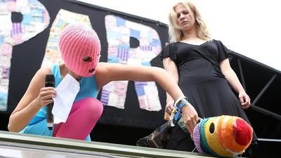 Die Pussy-Riot-Kolumne: Ihr habt es in der Hand, Politik wieder unterhaltsam zu machen