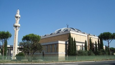 """De ce este bine că se construiește în București """"cea mai mare moschee din Europa"""""""