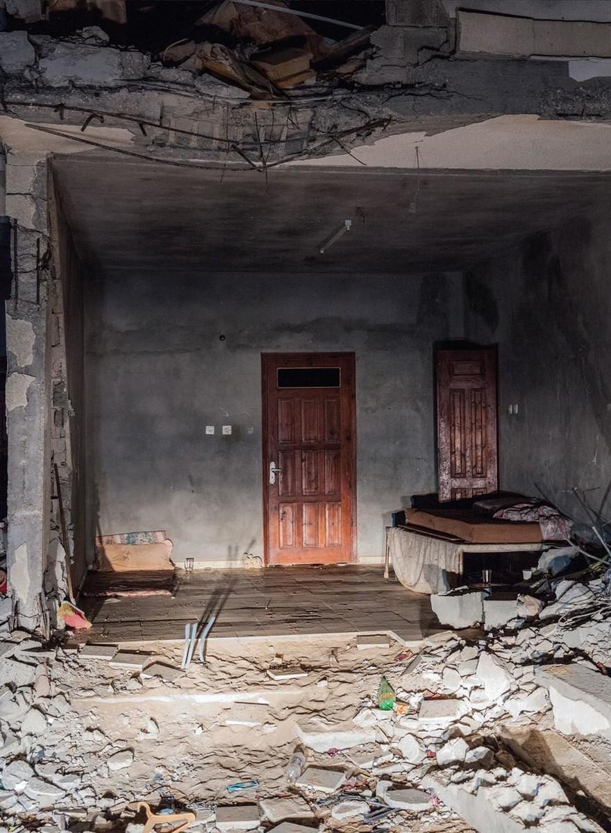 Foto di camere da letto di Gaza distrutte dai bombardamenti